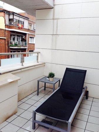Eric Vökel Boutique Apartments - Atocha Suites: Balcony