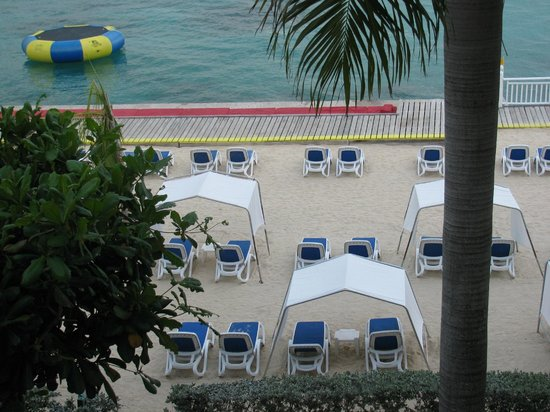Royal Decameron Montego Beach : You can see deck area with red loungers.