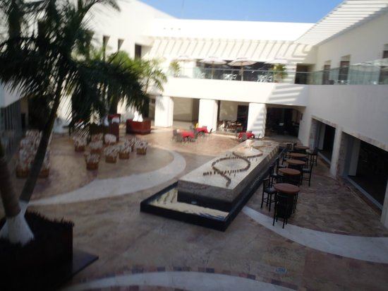 Secrets Huatulco Resort & Spa : main plaza