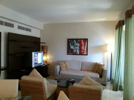 Movenpick Resort & Residences Aqaba : Sitting Room