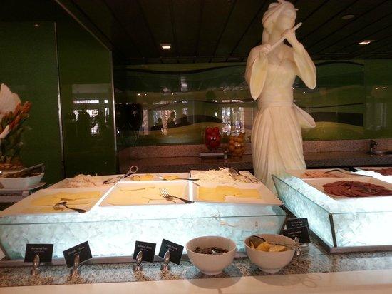 Movenpick Resort & Residences Aqaba : Breakfast Buffet