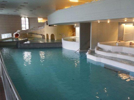 Saliris Resort: Inside pools