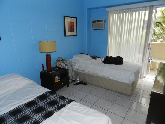 Waikiki Beachside Hostel: Girls dorm
