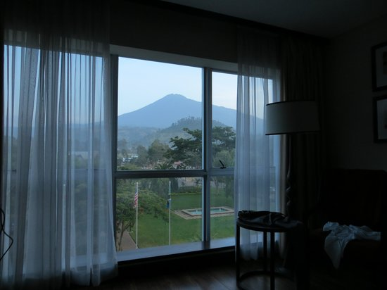 Mount Meru Hotel: Mt.Meru viewed from Room 205