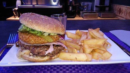 Café Gecko : Méga raclette burger
