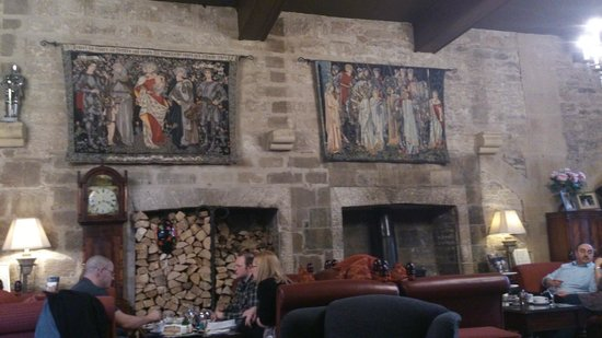 Langley Castle Hotel : The Drawing room