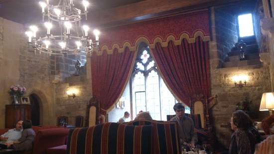 Langley Castle Hotel : Drawing room