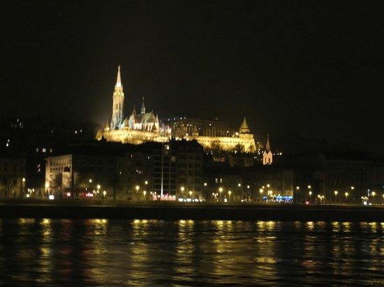 Hungaria Koncert: Matyas templon - L'église Mathias près du Bastion des Pêcheurs