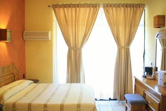 Hotel Surf Olas Altas : Habitación Estándar con balcón & vista a la alberca