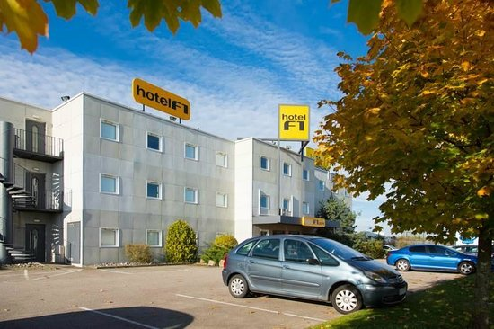 Chavelot, Frankrike: Extérieur de l'hôtel