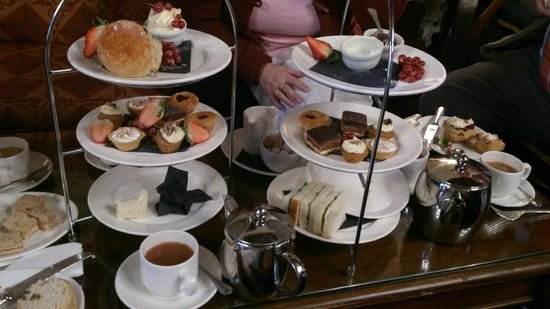 Langley Castle Hotel: Afternoon tea in the drawing room