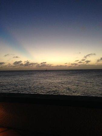 Bellafonte Luxury Oceanfront Hotel : Sunset in Bonaire