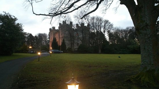 Langley Castle Hotel: Langley Castle from the ground