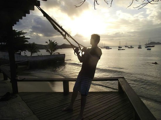 Gringos B&B: Pôr do sol na orla Bardô