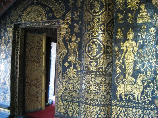 Templo de la Ciudad Dorada (Wat Xieng Thong): Incredible black and gold