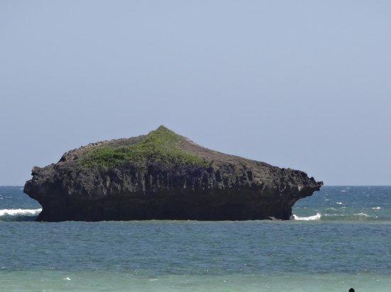 Crystal Bay Resort: vista dalla spiaggia
