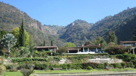 Hotel Atitlan: Hotel from Lake