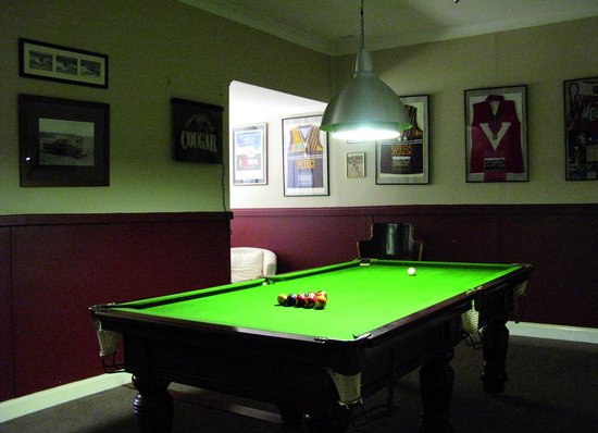 Busselton Guest House : Billiard and more