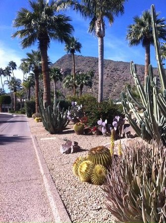 The Phoenician, Scottsdale: walking through property