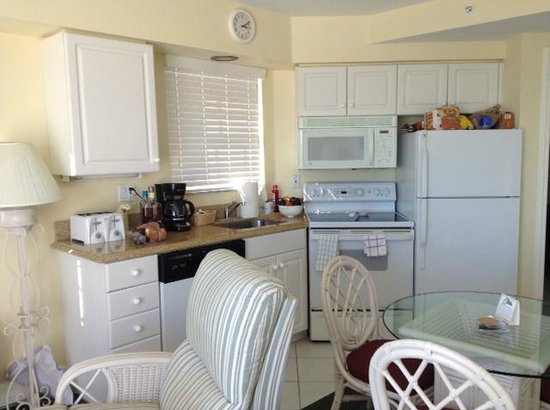 Edison Beach House: Room 306 Fully Equiped Kitchen - including unlimited coffee/Micro popcorn!