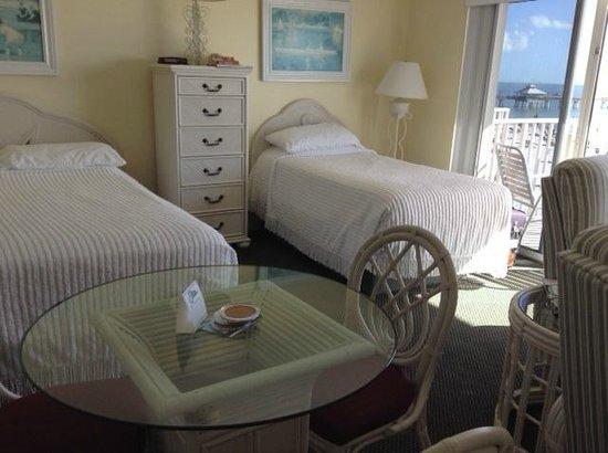 Edison Beach House: Room 306