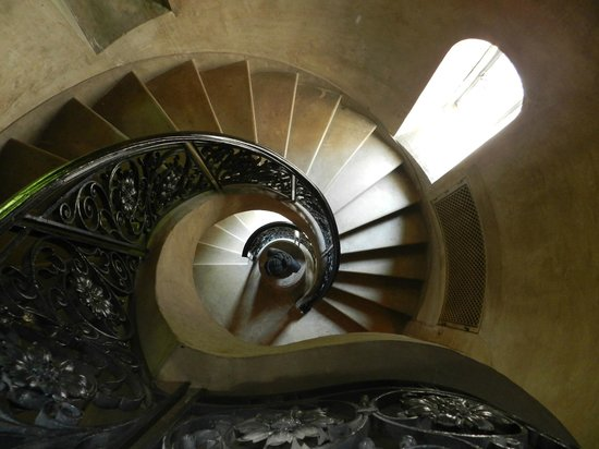 The Castle at Skylands Manor: Winding Staircase