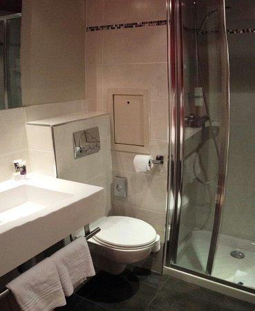 Mercure Paris Bastille Marais : Salle d'eau