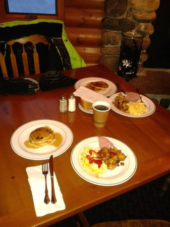 Buck's T-4 Lodge : Buck's Breakfast Dining Room
