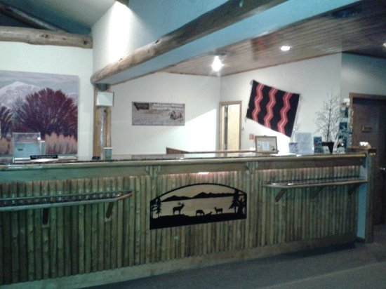 Buck's T-4 Lodge: Buck's Lobby