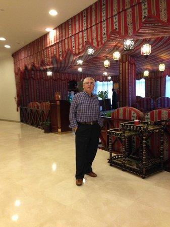 Al Barsha Hotel Apartments by Mondo : otelin lobisinden bir köşe