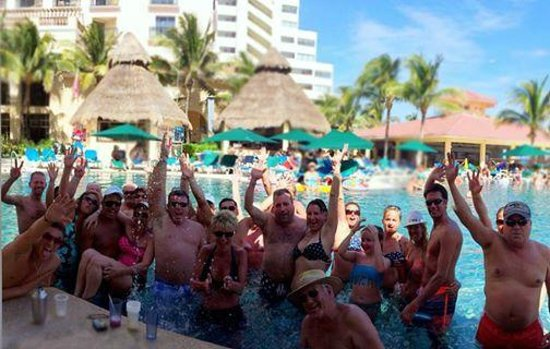 GR Solaris Cancun: Pool Party