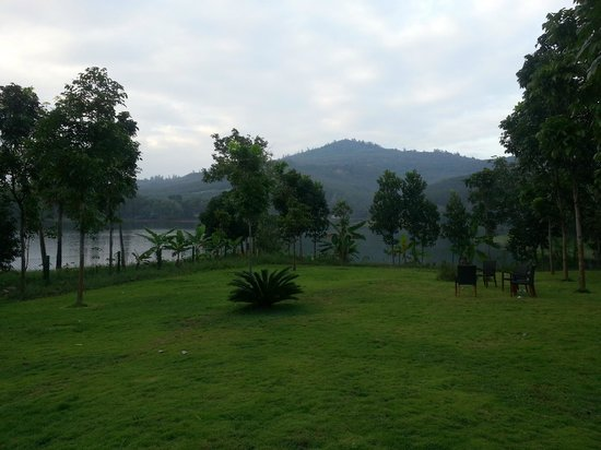 Anantya Resorts : Lake side garden