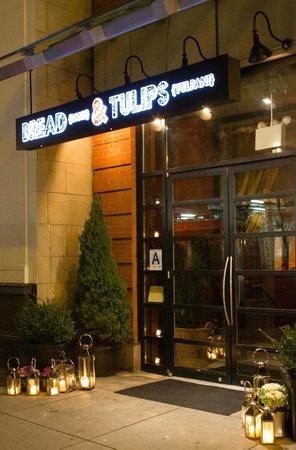 Bread & Tulips: Entrance