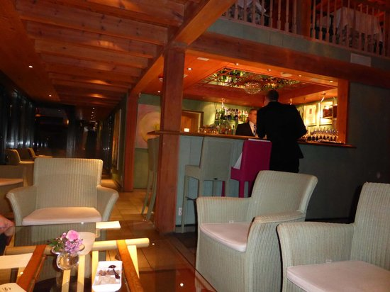 Engo Gard Hotel & Restaurant: The bar