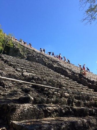 La Selva Mariposa : The grand pyramid at Coba is enormous!  And you can still climb it!  Thanks to Lou and Moe for g