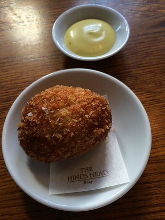 The Hind's Head, Bray: Scotch Egg