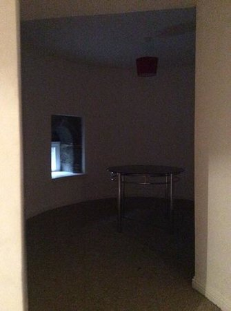 The City Suites : A lonely dining table!