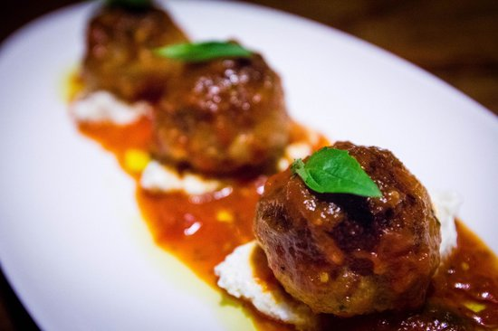 Bread & Tulips: Homemand Meatballs and Homemade Ricotta