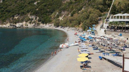 Ermones, اليونان: Пляж