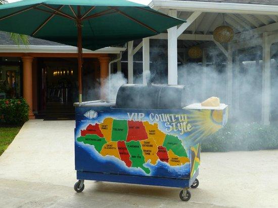 Secrets St. James Montego Bay: Jerk chicken cart... soooo good!