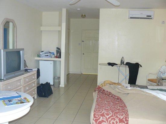 Bay Gardens Hotel: Room
