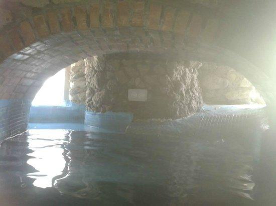 Punta Chiarito Resort Hotel Ristorante: Grotta piscina