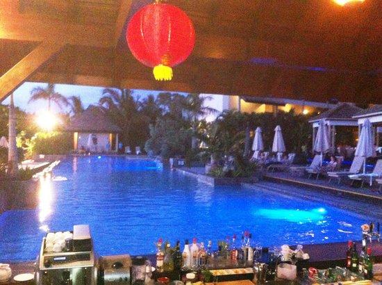 InterContinental Mauritius Resort Balaclava Fort: Le bar décoré pour le Nouvel An chinois
