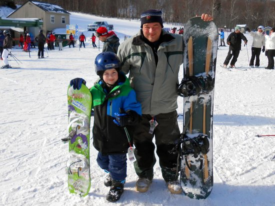 Cannon Mountain : My 8 year old son, Canon's newest snowboarder !