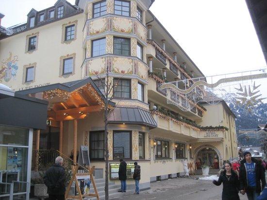 Hotel Alte Post: Outside Hotel