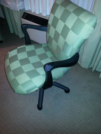 Eagle's Nest Inn: some wear, like chair with chunk missing