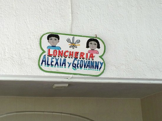 Loncheria Alexia y Geovanny: Name