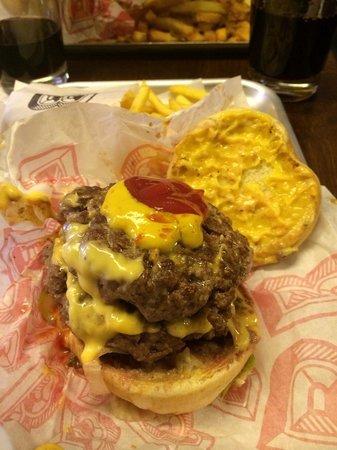 Bunsen: Double cheeseburger