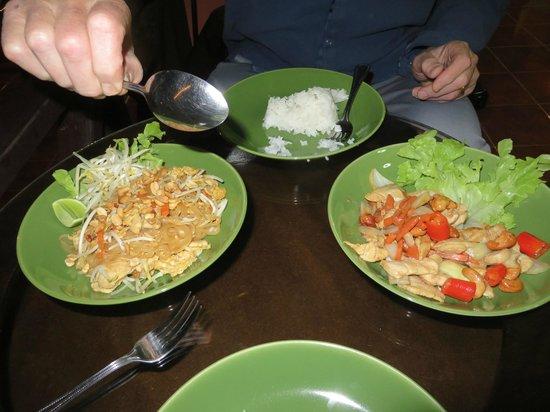 Ban Rai Tin Thai Ngarm Eco Lodge: delicious home cooked meals