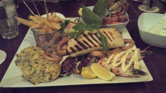 Fish d'vine: Seafood platter for two